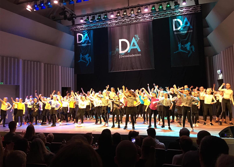 Dans på scen